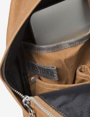 Eastpak - PADDED PAK'R - ryggsäckar - axer brown - 3
