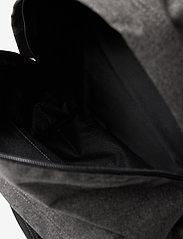 Eastpak - PADDED PAK'R - ryggsäckar - black denim - 3