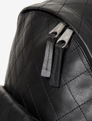 Eastpak - PADDED PAK'R - reput - quilted square - 3