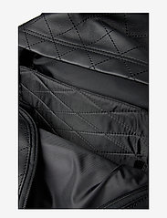 Eastpak - PADDED PAK'R - reput - quilted square - 4
