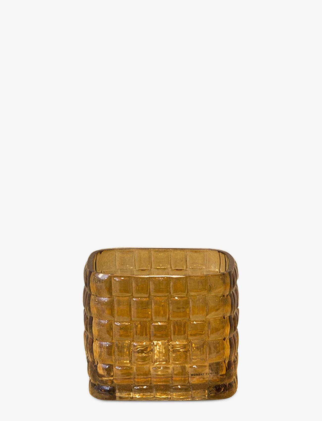 Monday Sunday - Dicte Vase - vases - amber - 0
