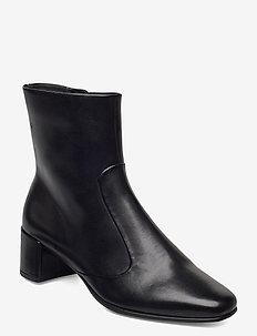 SHAPE SQUARED 35 - ankelstøvler med hæl - black