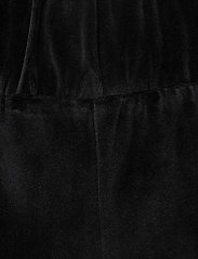 ella&il - Hay velour shorts - shorts casual - black - 2