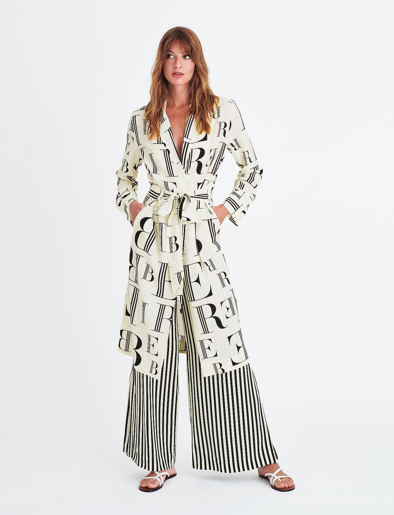 Collection Hampton KimonoblackElle Style Awards 2019 HID2E9