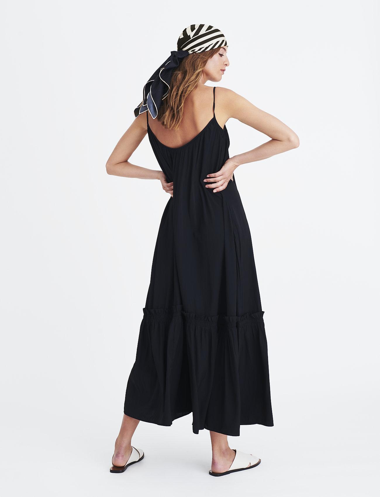 Rome Strap Dress (Black) (1924.45 kr) - Elle Style Awards Collection 2019