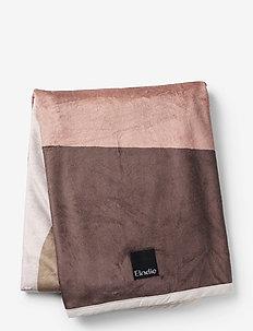 Pearl Velvet Blanket - Winter Sunset - filtar - dustypink/dk blue/beige