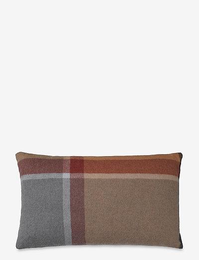 Manhattan cushion - puder - terracotta/red magma