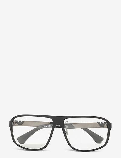 Sunglasses - d-shaped - clear