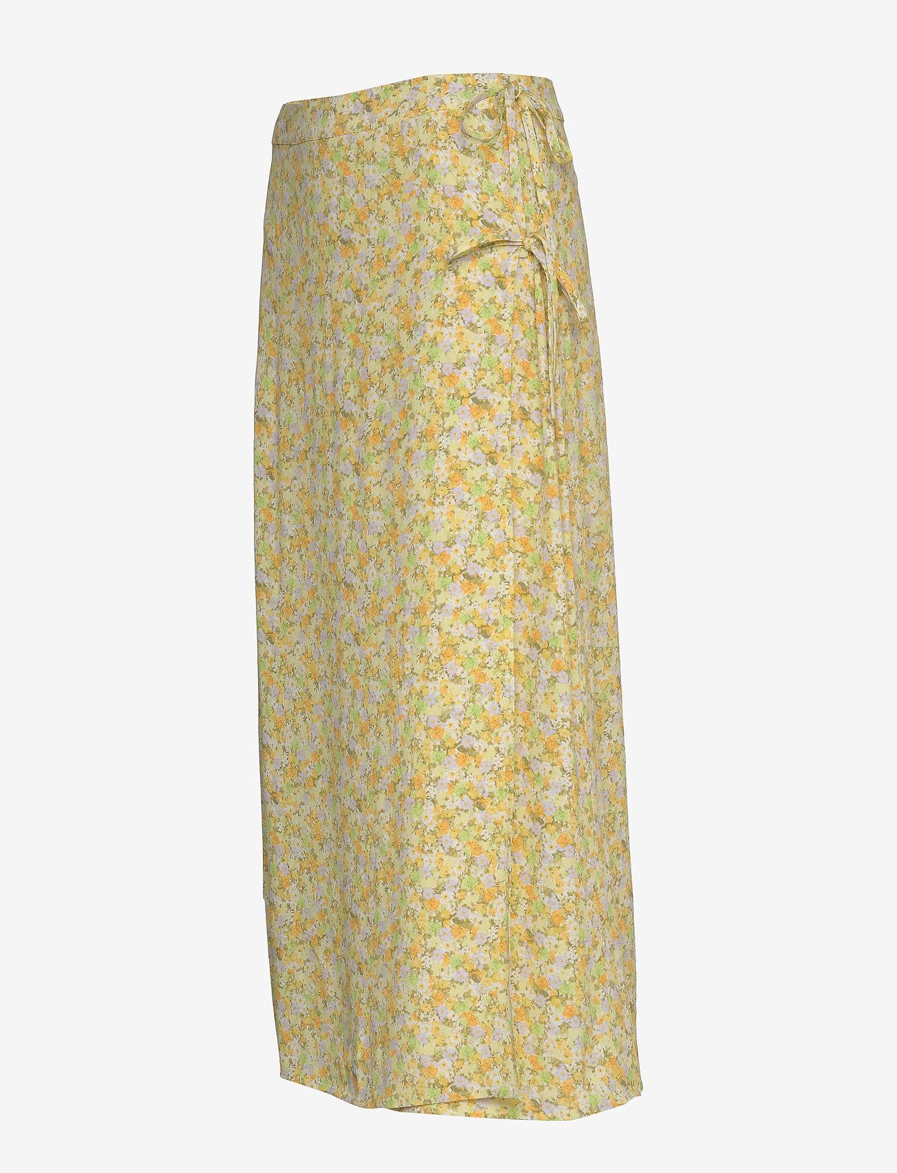 Encornelia Skirt Aop 6696 (Wateredge Flower) (384 kr) - Envii