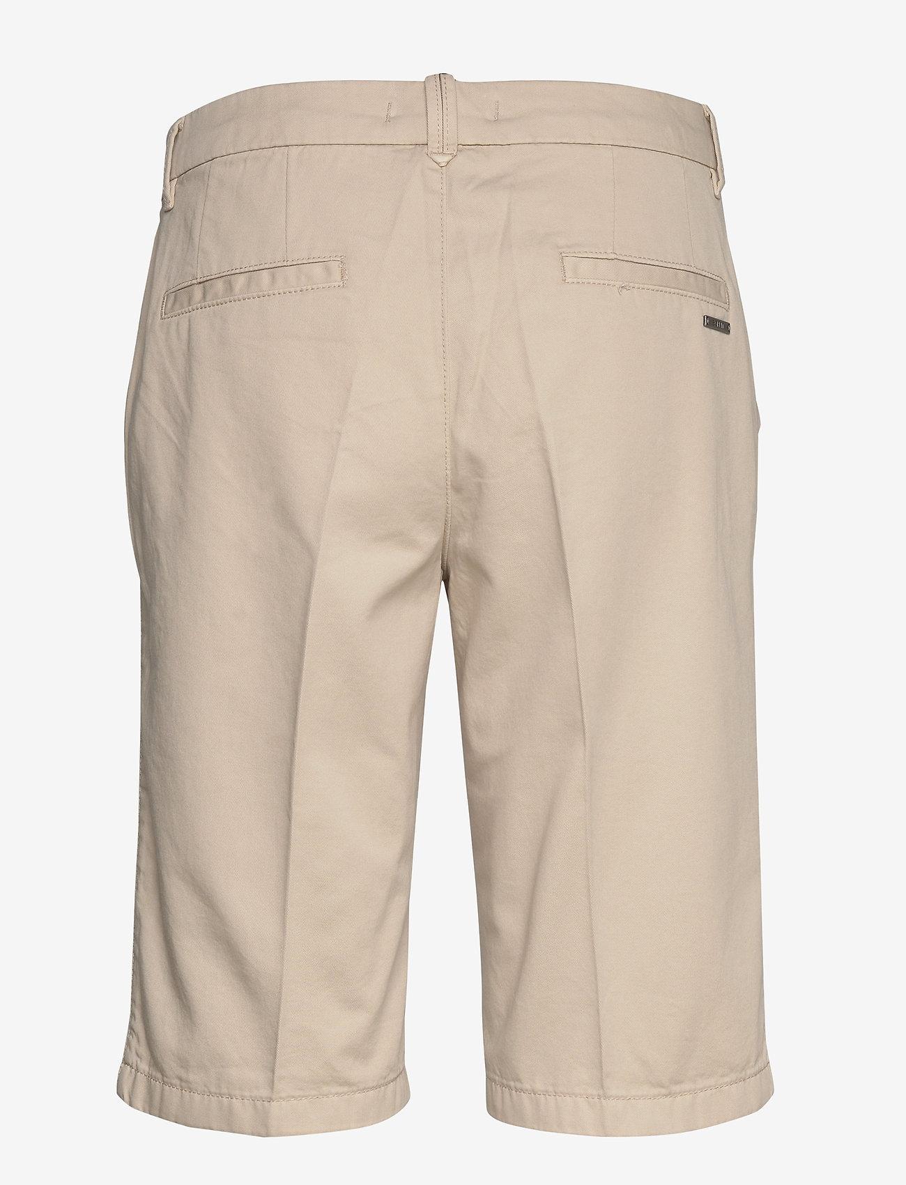 Esprit Casual - Shorts woven - bermudashorts - sand - 1