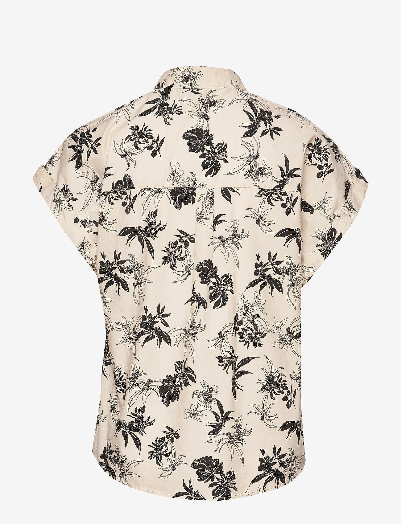 Esprit Casual - Blouses woven - kortermede skjorter - off white - 1