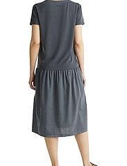 Esprit Casual - Dresses knitted - midi kjoler - black - 3