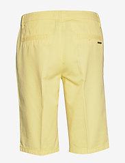 Esprit Casual - Shorts woven - bermudashorts - lime yellow - 1