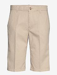 Esprit Casual - Shorts woven - bermudashorts - sand - 0