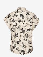 Esprit Casual - Blouses woven - overhemden met korte mouwen - off white - 1