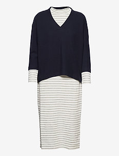 Dresses knitted - gebreide jurken - navy