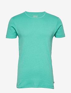 T-Shirts - basic t-shirts - light turquoise