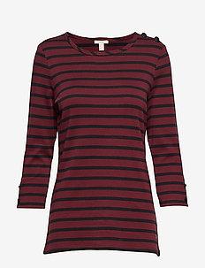 T-Shirts - GARNET RED 4