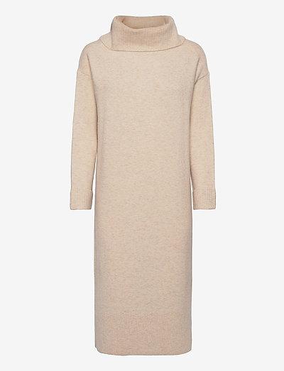 Dresses flat knitted - hverdagskjoler - beige 5