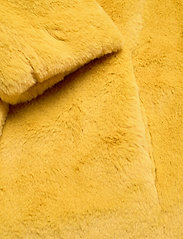 Esprit Collection - Coats woven - fausse fourrure - dusty yellow - 3