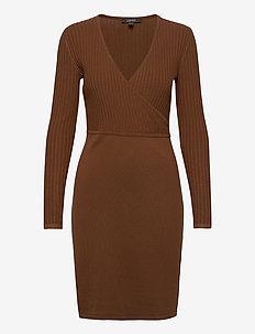 Dresses flat knitted - midi kjoler - toffee