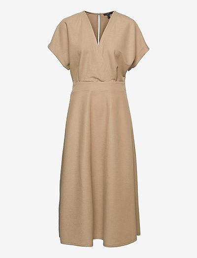 Dresses knitted - hverdagskjoler - beige
