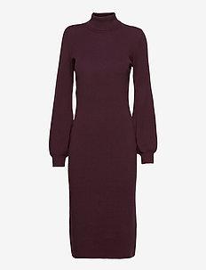 Dresses flat knitted - strikkjoler - aubergine