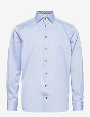 Contemporary Fit Signature twill shirt - daisy details