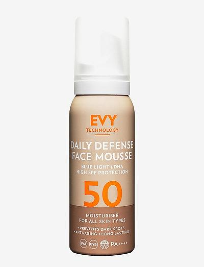 Daily Defense Face Mousse SPF 50 - ansigt - no colour