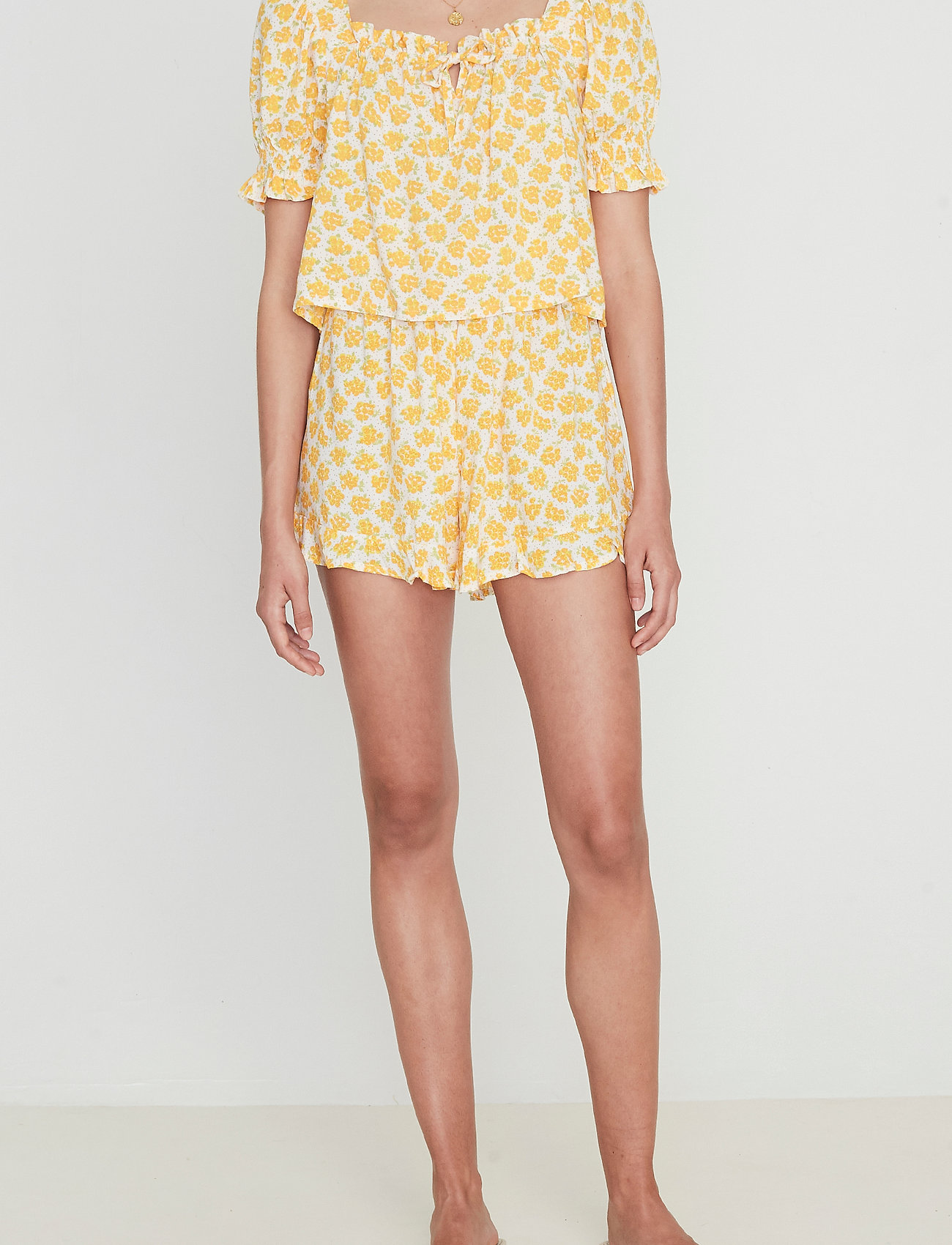 Faithfull The Brand - Erca Short - shorts casual - bette floral print - 0