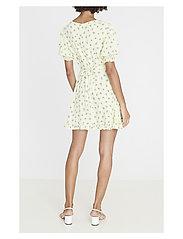 Faithfull The Brand - Florence Mini Dress - lyhyet mekot - luda floral lime - 3