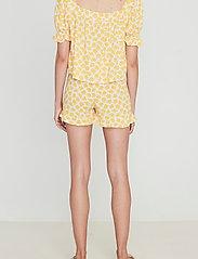 Faithfull The Brand - Erca Short - shorts casual - bette floral print - 3