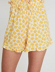 Faithfull The Brand - Erca Short - shorts casual - bette floral print - 4
