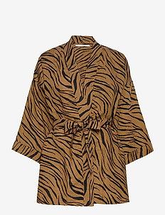 Larissa Robe - kimonos - kenya animal print