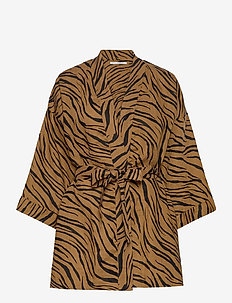 Larissa Robe - kimonot - kenya animal print