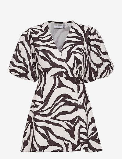 Godiva Wrap Dress - sommerkleider - javelina animal print