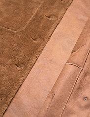 Fall Winter Spring Summer - Sealiner Teddy - faux fur - toffee - 3