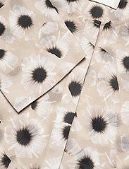 Fall Winter Spring Summer - Tonoko Blouse - långärmade blusar - animal floral creme - 2