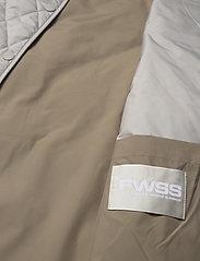Fall Winter Spring Summer - Sealiner Vest - puffer vests - sandshell mix - 4