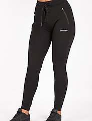 Famme - Black Fit Jogger - pantalon de sport - black - 0