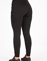 Famme - Black Fit Jogger - pantalon de sport - black - 3