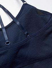 Famme - Blue Power Seamless Top - sort bras:high - navy blue - 6