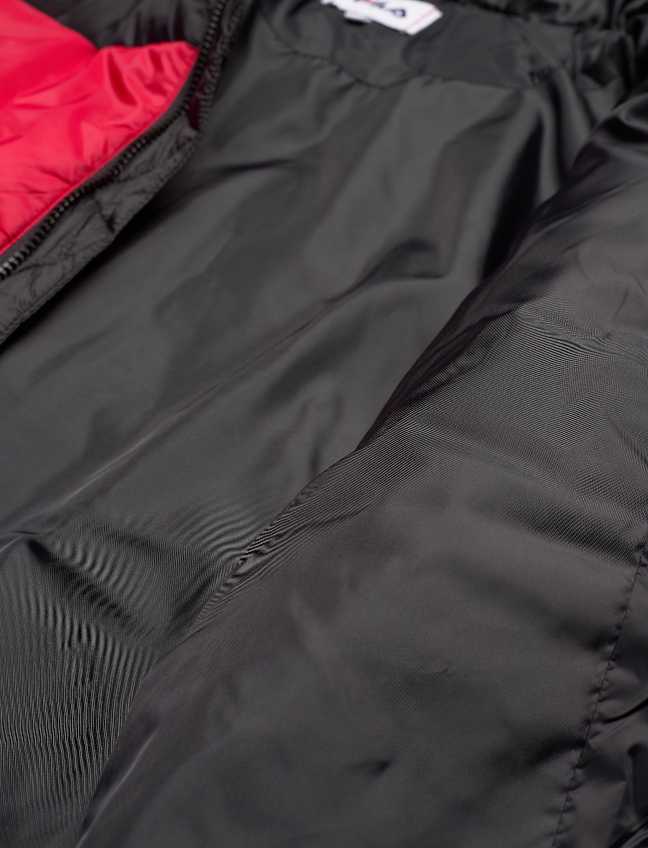 FILA MEN SCOOTER puffer jacket - Jakker og frakker BLACK-TRUE RED - Menn Klær