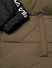 FILA - MEN TANNER tape puffer jacket - veste sport - grape leaf-black - 5