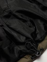 FILA - MEN TANNER tape puffer jacket - veste sport - grape leaf-black - 7