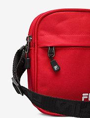 FILA - NEW PUSHER BAG BERLIN - olkalaukut - true red - 3