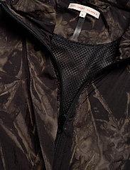 Filippa K Soft Sport - Raven Tiedye Jacket - sports jackets - tie dye pr - 2