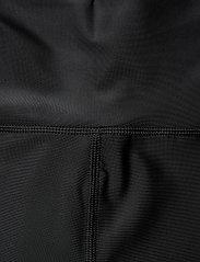 Filippa K Soft Sport - Cropped Gloss Legging - compression tights - black - 2