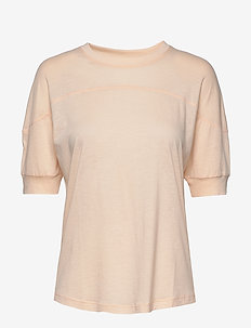 Soft T-shirt - t-shirts - meringue