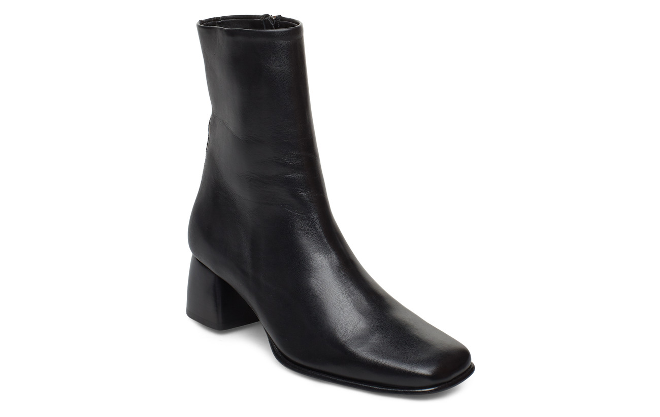 Filippa K Eileen Leather Boot - BLACK